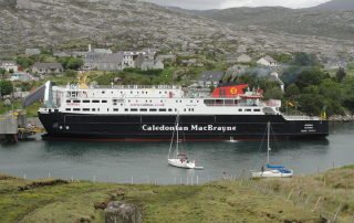 Arriving in Tarbert. The photo was taken by Nessy_Pic.